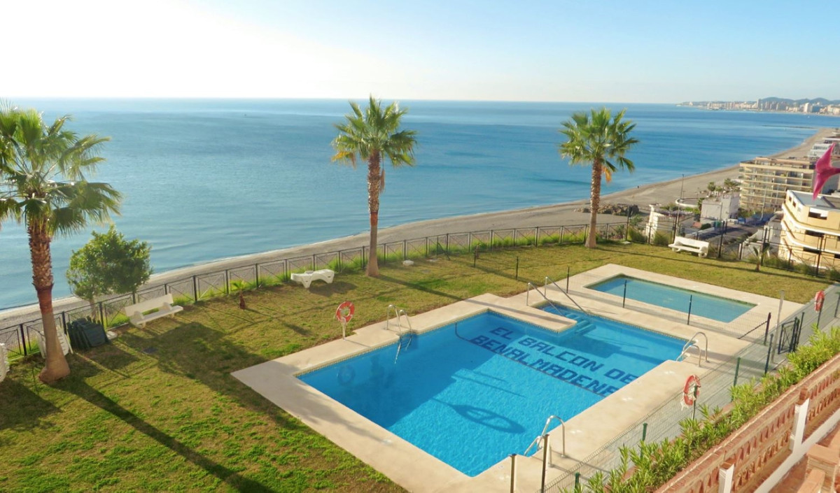 Spacious apartment located next to Carvajal promenade and set in the hill top complex of Balcon de B,Spain
