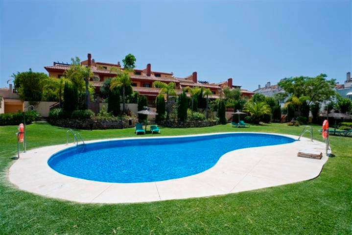 Townhouse for Rent in The Golden Mile, Costa del Sol