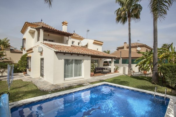 Villa for Rent in Nueva Andalucia, Costa del Sol