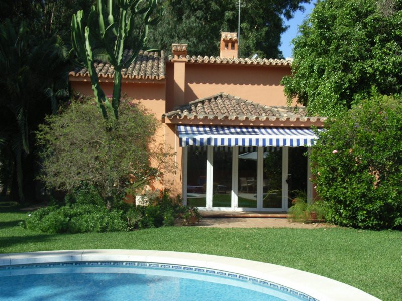 House in Estepona R78056 9