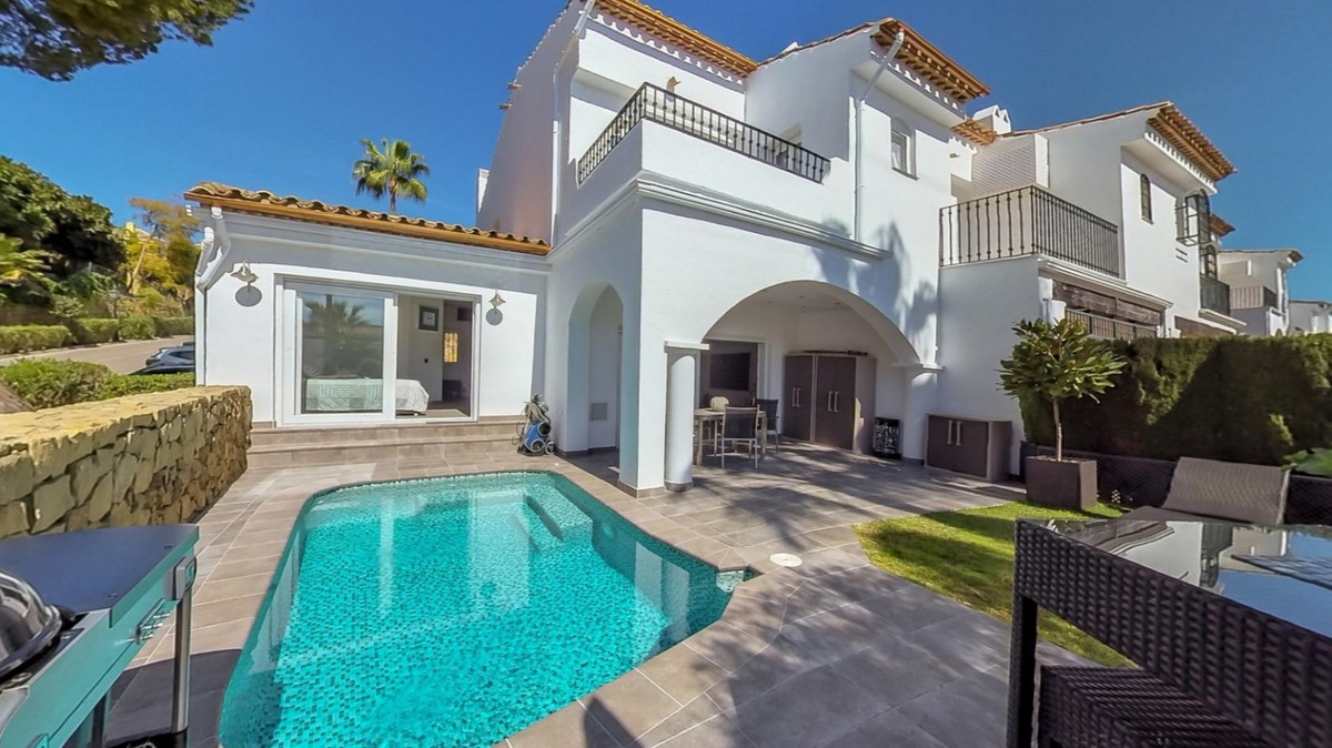 A unique opportunity to buy a stunningly beautiful refurbished 3 bedroom townhouse in a well establi, Spain