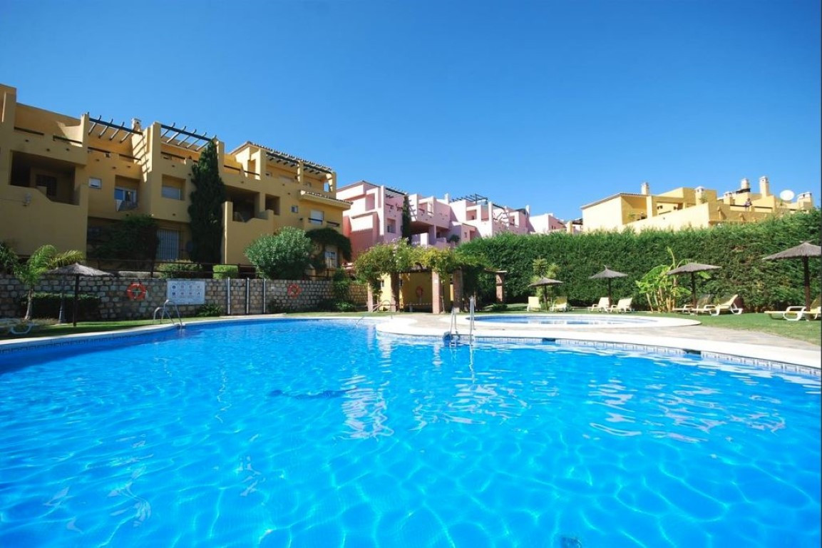 Spacious duplex penthouse located in a front line golf Andalucian style complex in Guadalmina. Previ,Spain