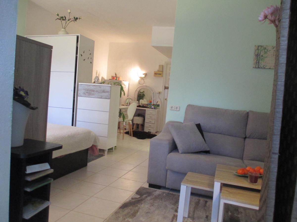 Studio for Sale in El Paraiso, Costa del Sol