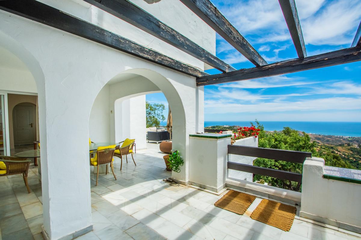 Apartamento Planta Media en Venta en La Mairena – R3664346
