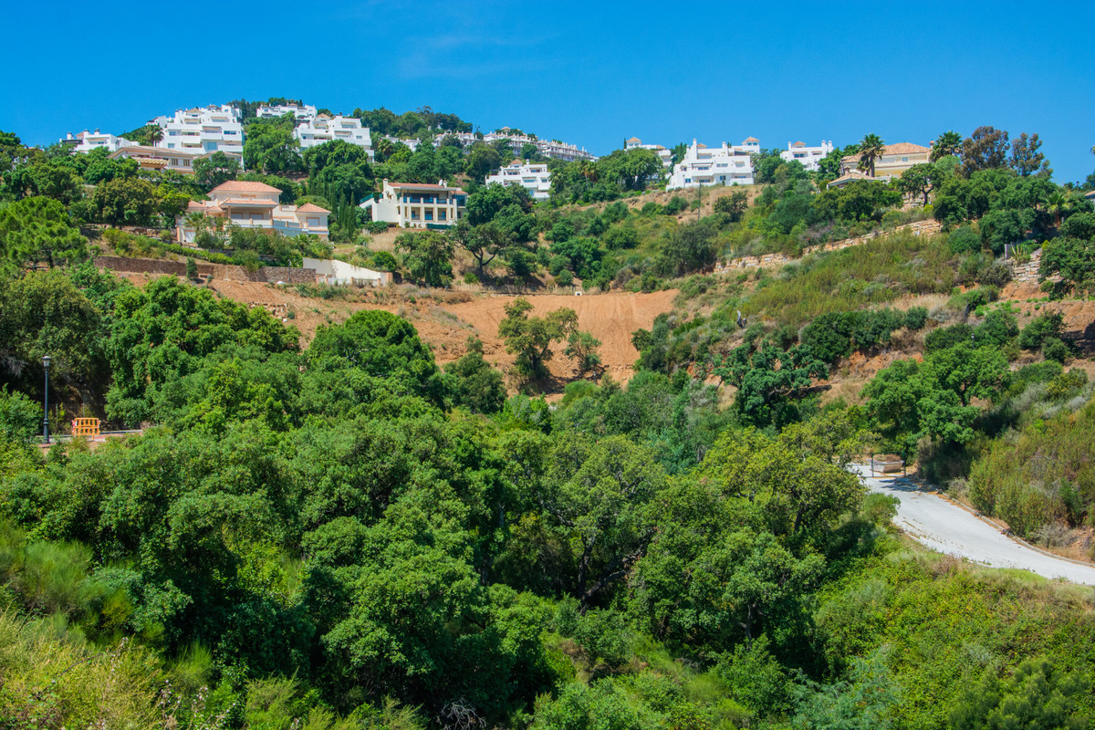 Plot with building license in La Mairena, Marbella: build immediately. Fantastic views, only 8 minut, Spain