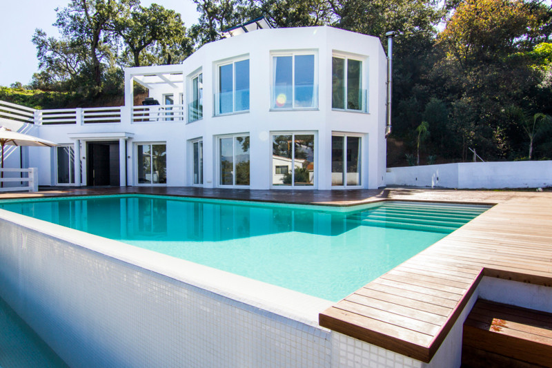 Big modern villa, with spectacular mountain views. Set in a magical cork oak forest. 328 m square. 1,Spain