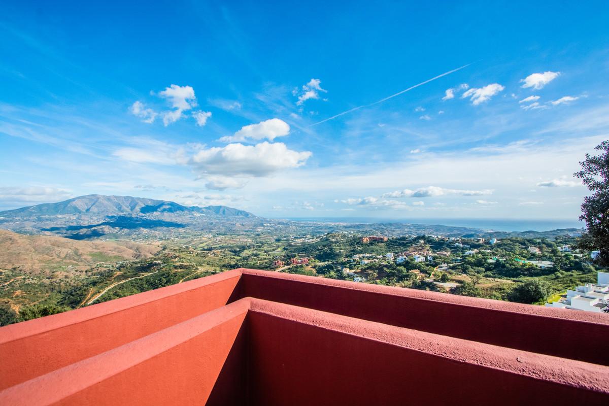 Marbella Banus Apartamento en Venta en La Mairena – R3419743
