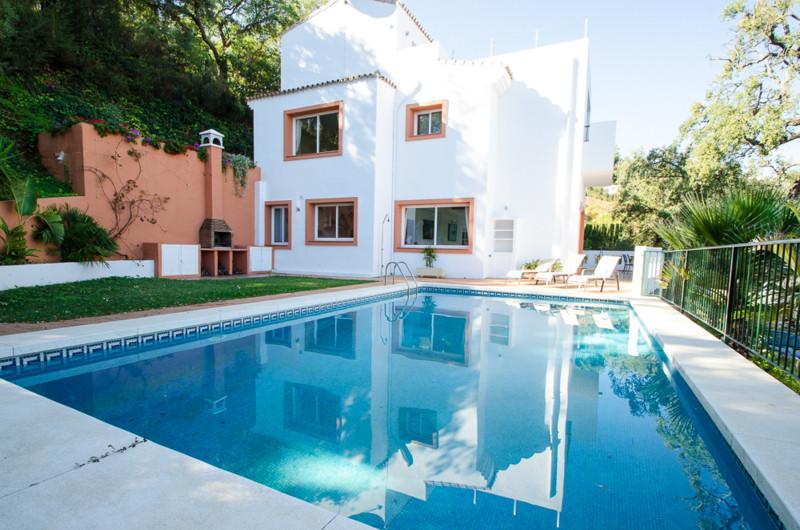 Villa – Chalet en venta en La Mairena – R2351930