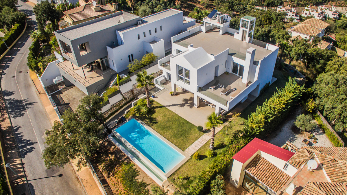 Brand new MODERN villa with panoramic views to sea and mountains. includes elevator. Finished in aug,Spain