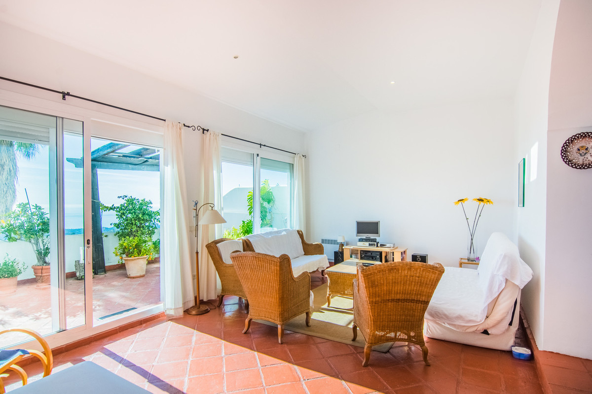 South facing apartment in La Mairena with breathtaking views.  Middle Floor Apartment, La Mairena, C,Spain