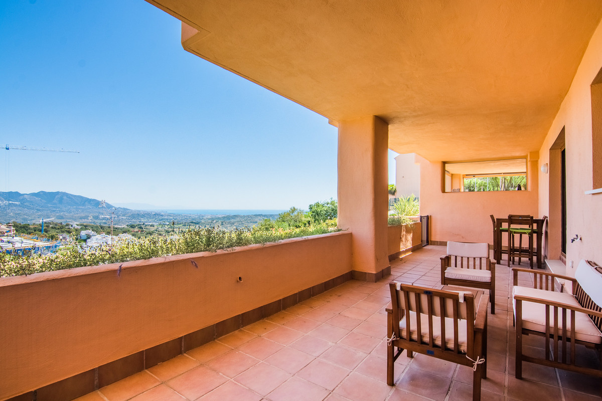 This cozy apartment in Marbella hill view in La Mairena has 2 bedrooms, 2 bathrooms and living room , Spain