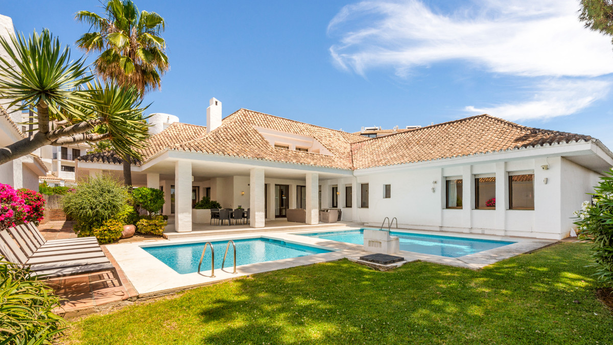 Beautiful contemporary style villa is located in one of the most prestigious areas of Marbella, Puer,Spain