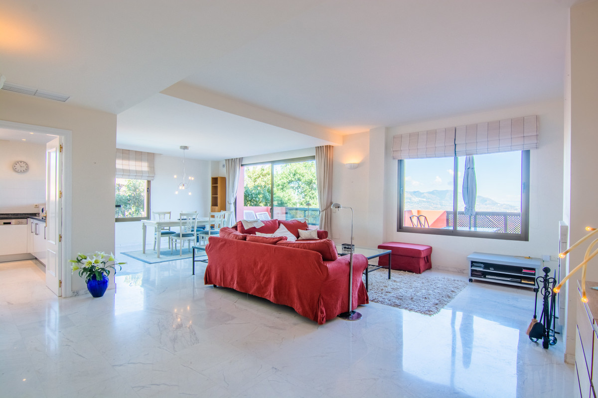 Beautiful like new apartment of 2 beds/2 bathrooms (en suite) on a 3rd floor out of 4 (with lifts). ,Spain