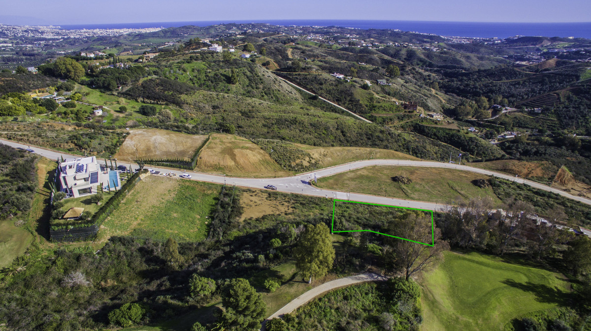 We offer a range of plots in La Cala Golf and La Mairena where you can enjoy complete peace and tran, Spain