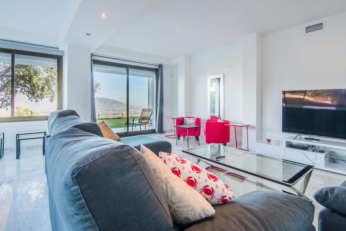 Ground Floor Apartment in La Mairena R3037022