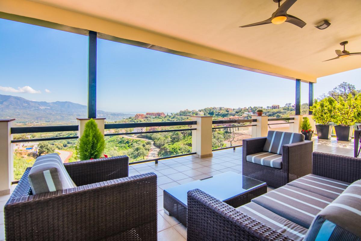 Marbella Banus Villa – Chalet en Venta en La Mairena – R2880626