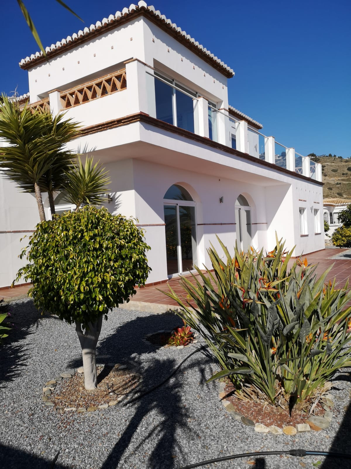 This stunning Villa is located on the edge of Almunecar on Mount El Montanes. The location is absol,Spain