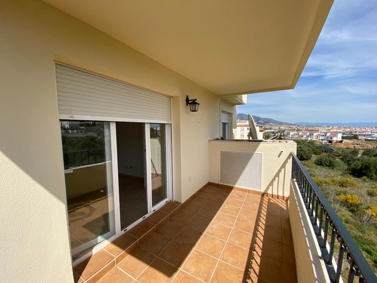 Apartamento  Planta Media en venta   en Cerros del Aguila