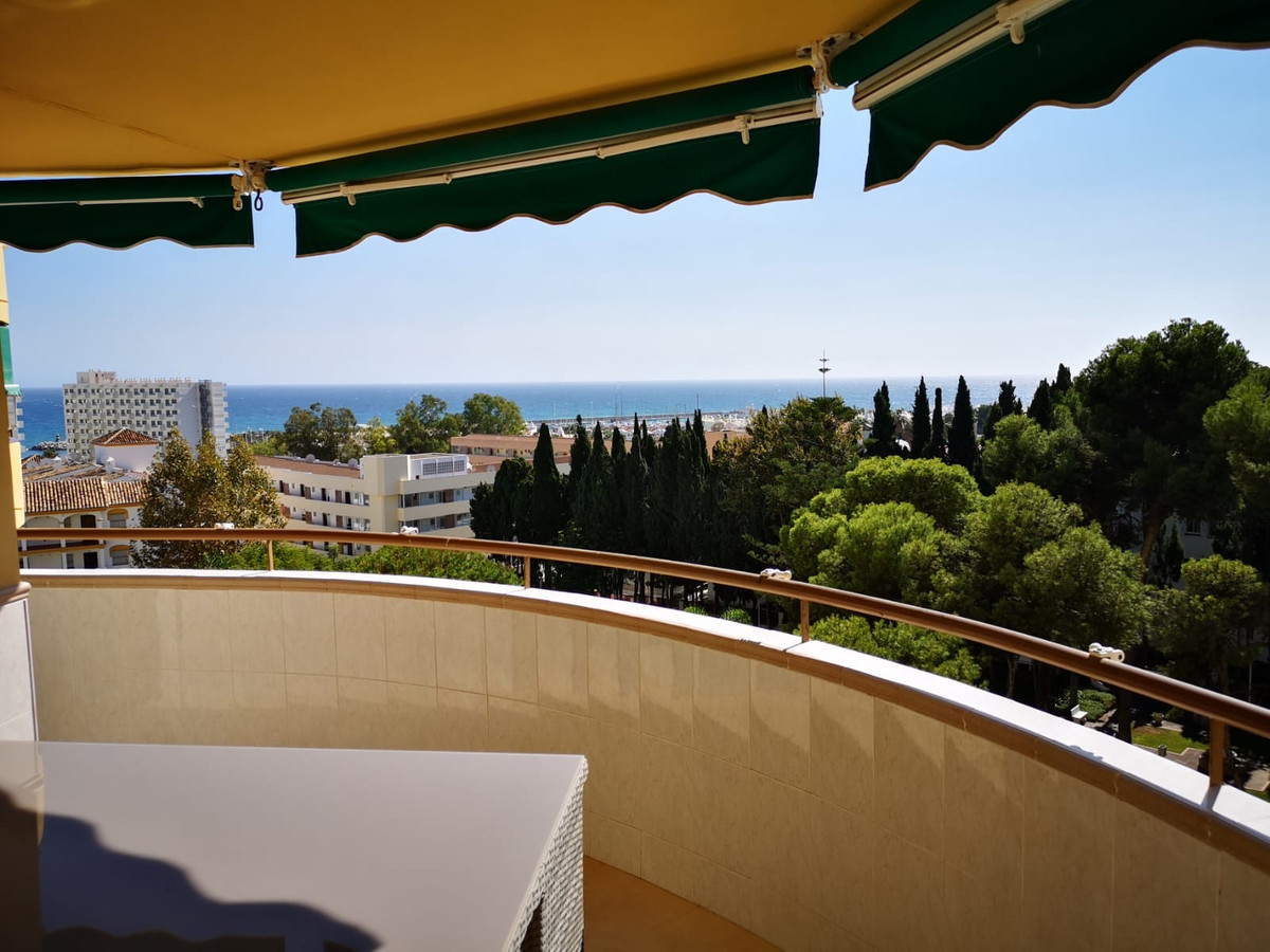 Only 150 meters from the sea, lies this totally new renovated apartment. It is a 5 minute walk, then,Spain