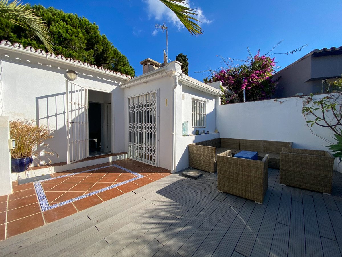 Beachvilla, located within few min. walk from the sandy beaches of Marbesa / Marbella, there is easy,Spain