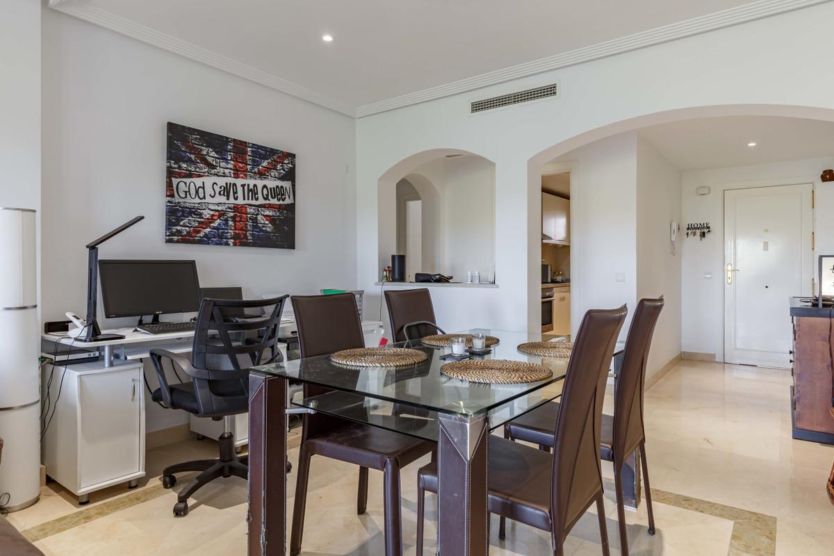 Apartamento Planta Baja en Venta en Los Arqueros – R3658640