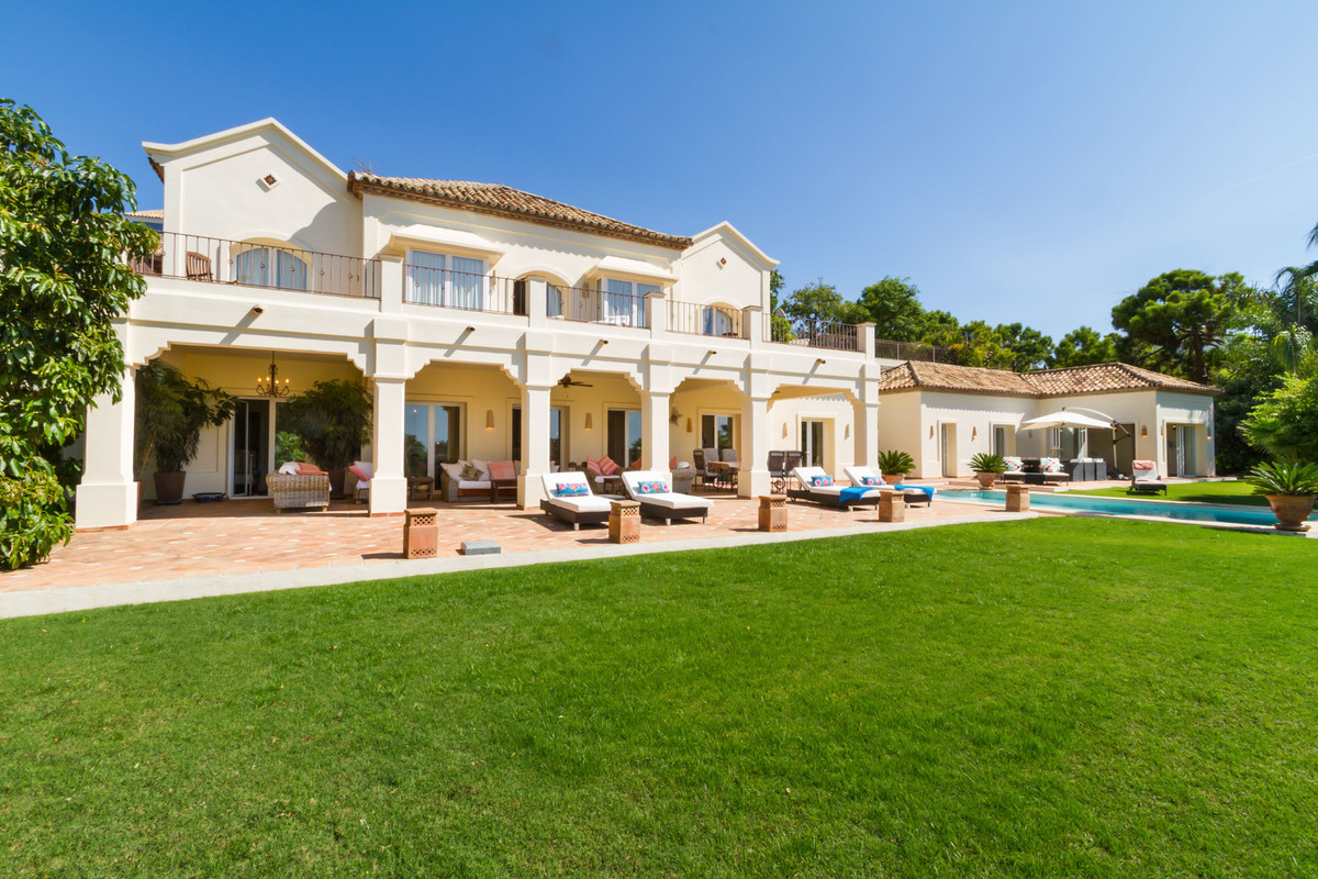 A stunning south facing frontline golf villa with spectacular golf, sea, lake and mountain views, th, Spain