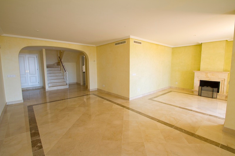 Apartment in Los Arqueros R2001738 2
