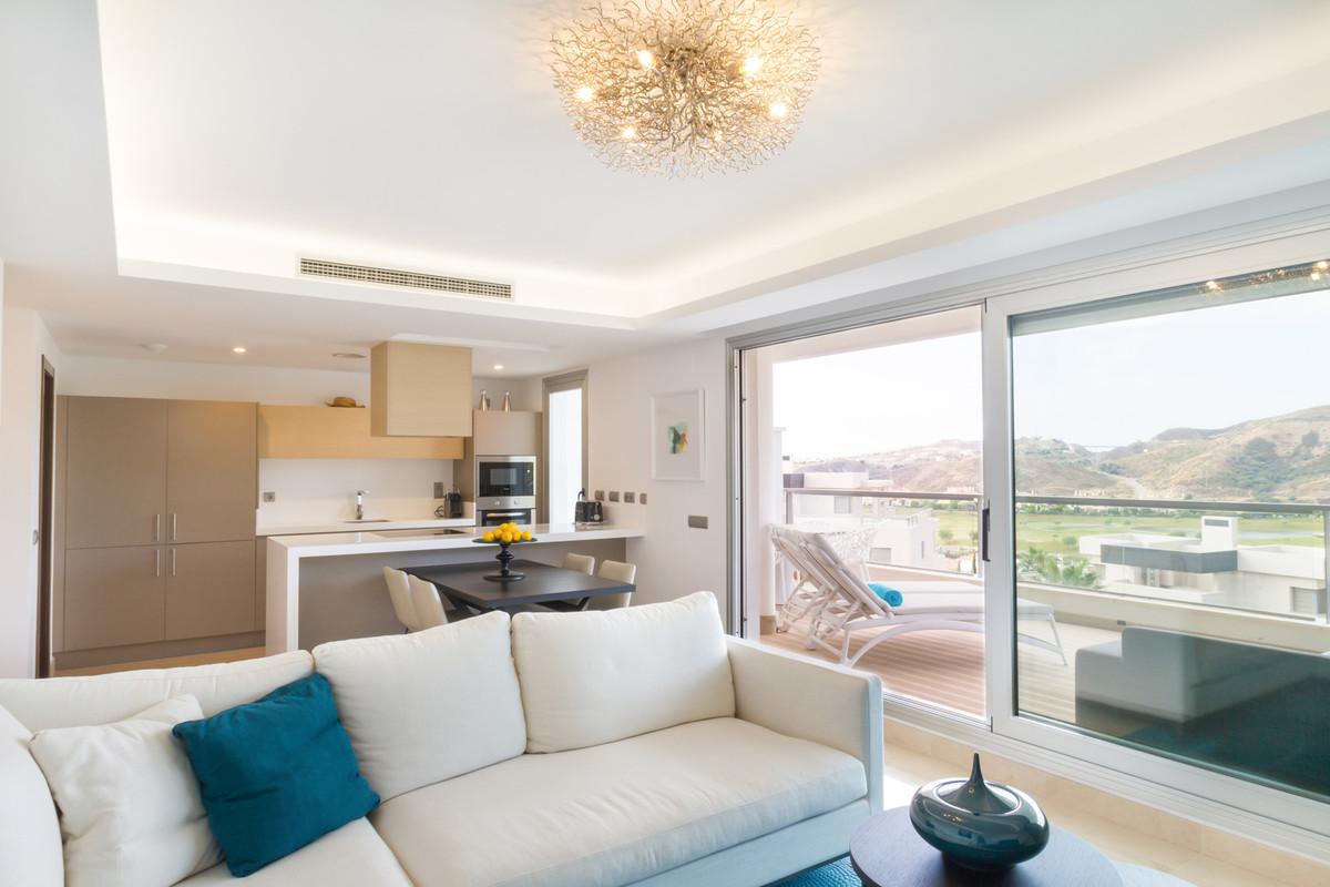 Marbella Banus Apartamento Planta Media en Venta en Los Arqueros – R3056224