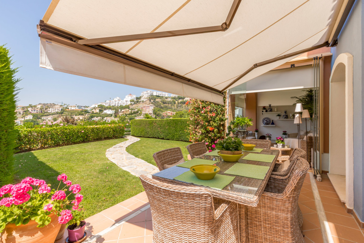 Townhouse for sale in Los Arqueros