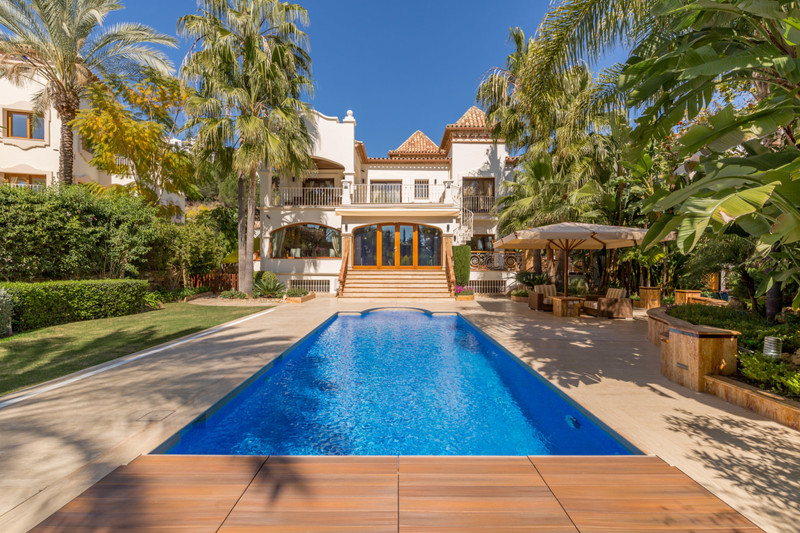 Marbella Banus Villa – Chalet en venta en Los Arqueros – R3373789