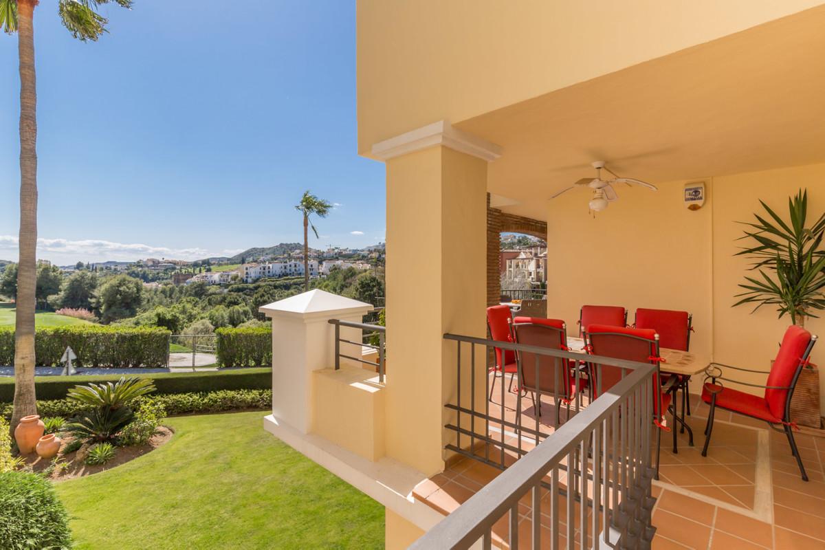Marbella Banus Apartamento Planta Media en Venta en Los Arqueros – R3397087