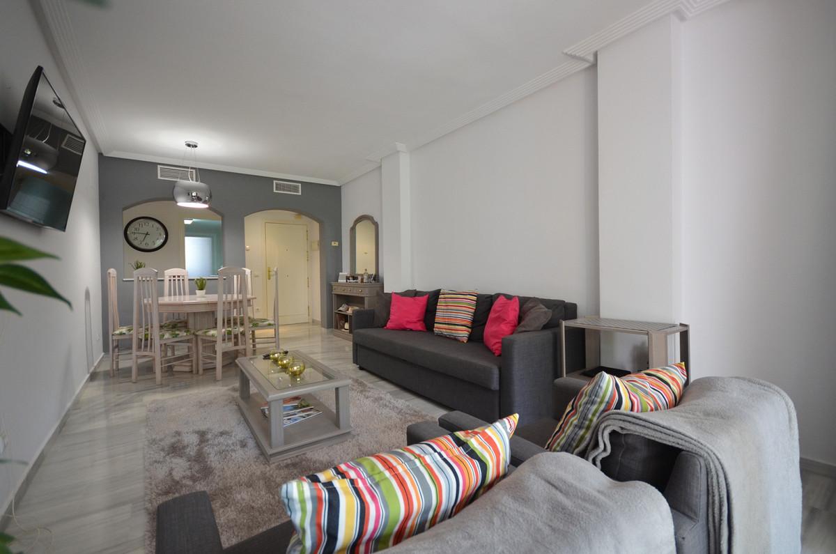 Marbella Banus Apartamento en Venta en Los Arqueros – R3618989