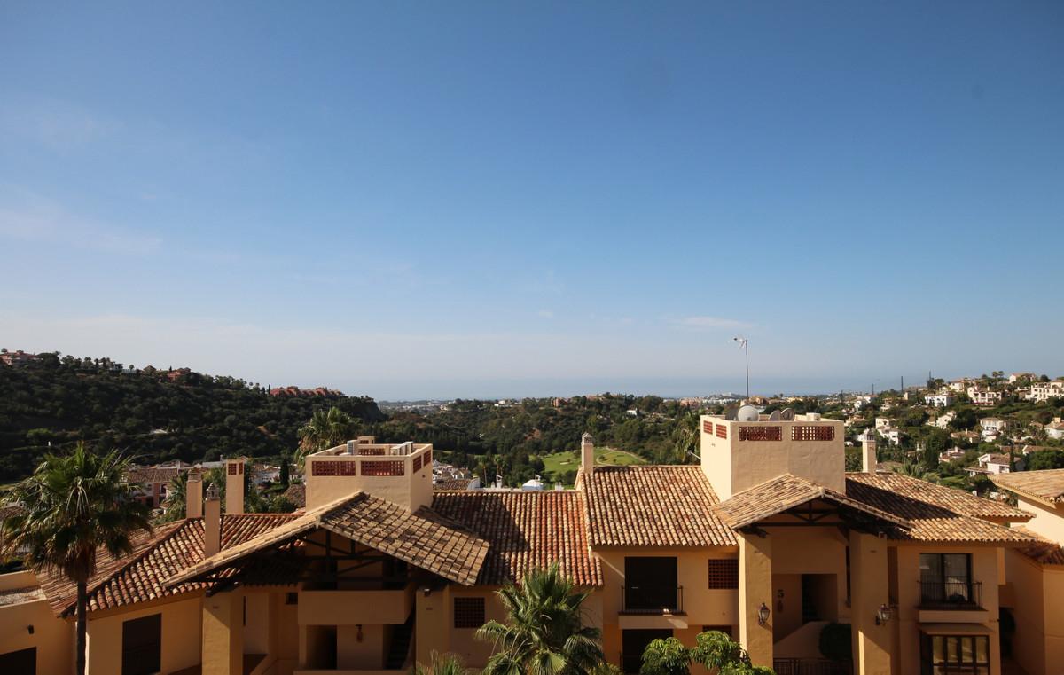 Marbella Banus Apartamento en Venta en Los Arqueros – R3875947