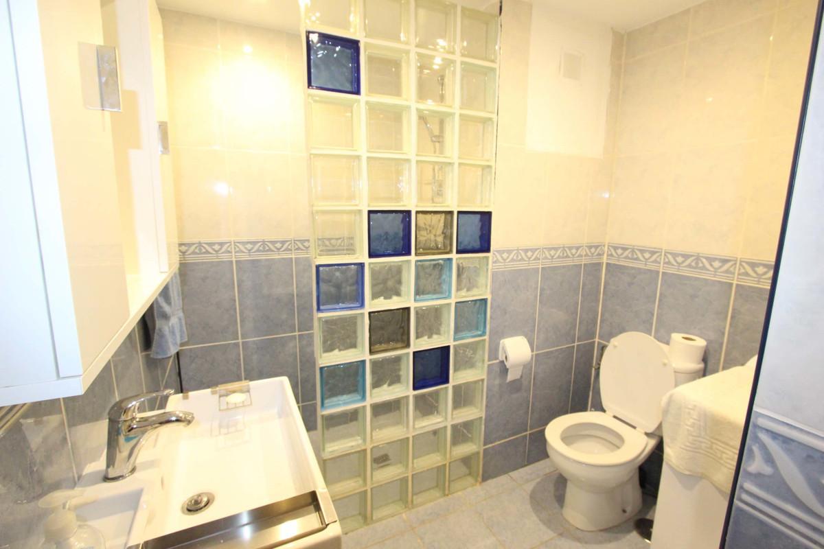 Apartamento en Venta en Marbella – R3521092