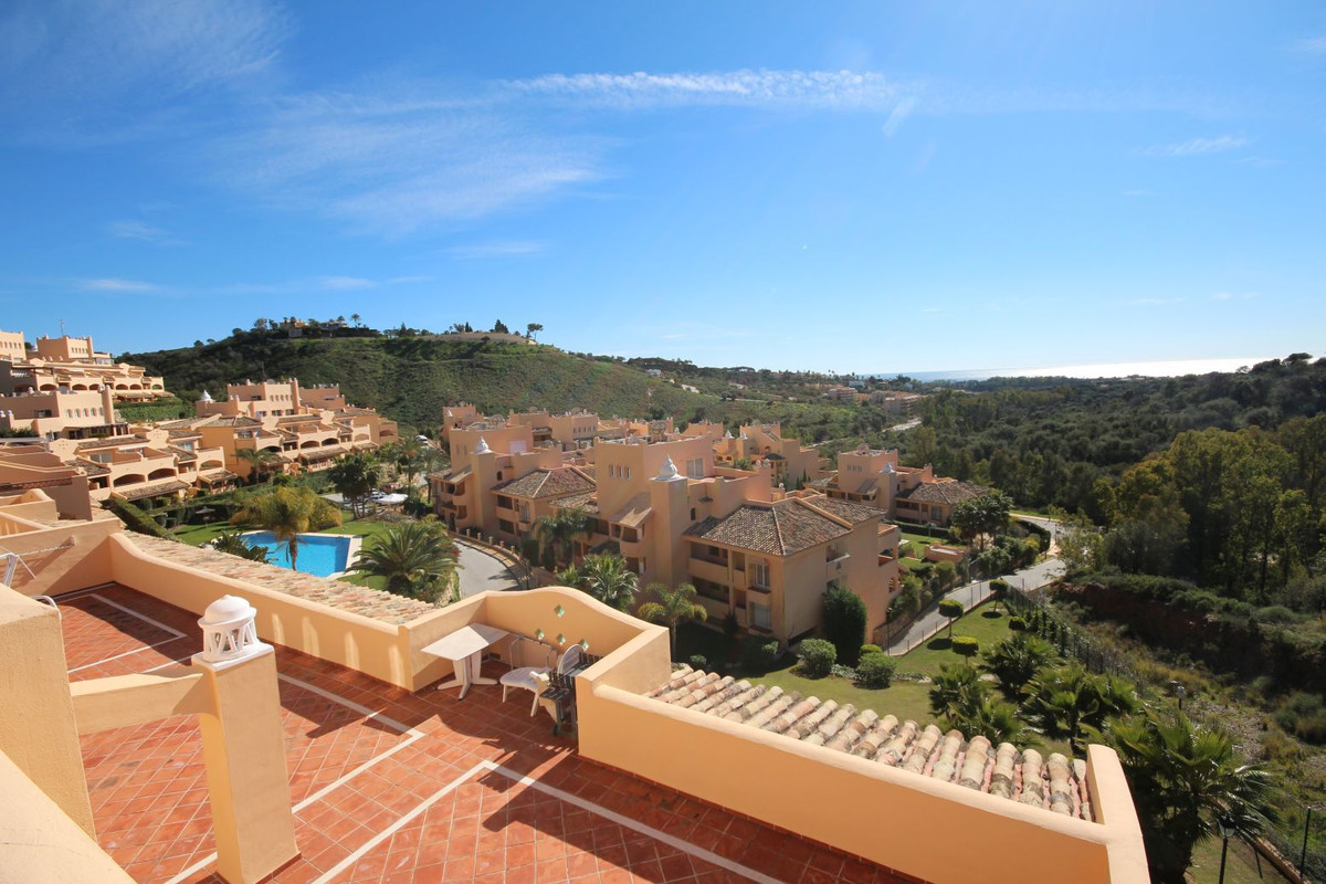 Wonderful Penthouse situated in Elviria, recently reduced in price this amazing property represents ,Spain