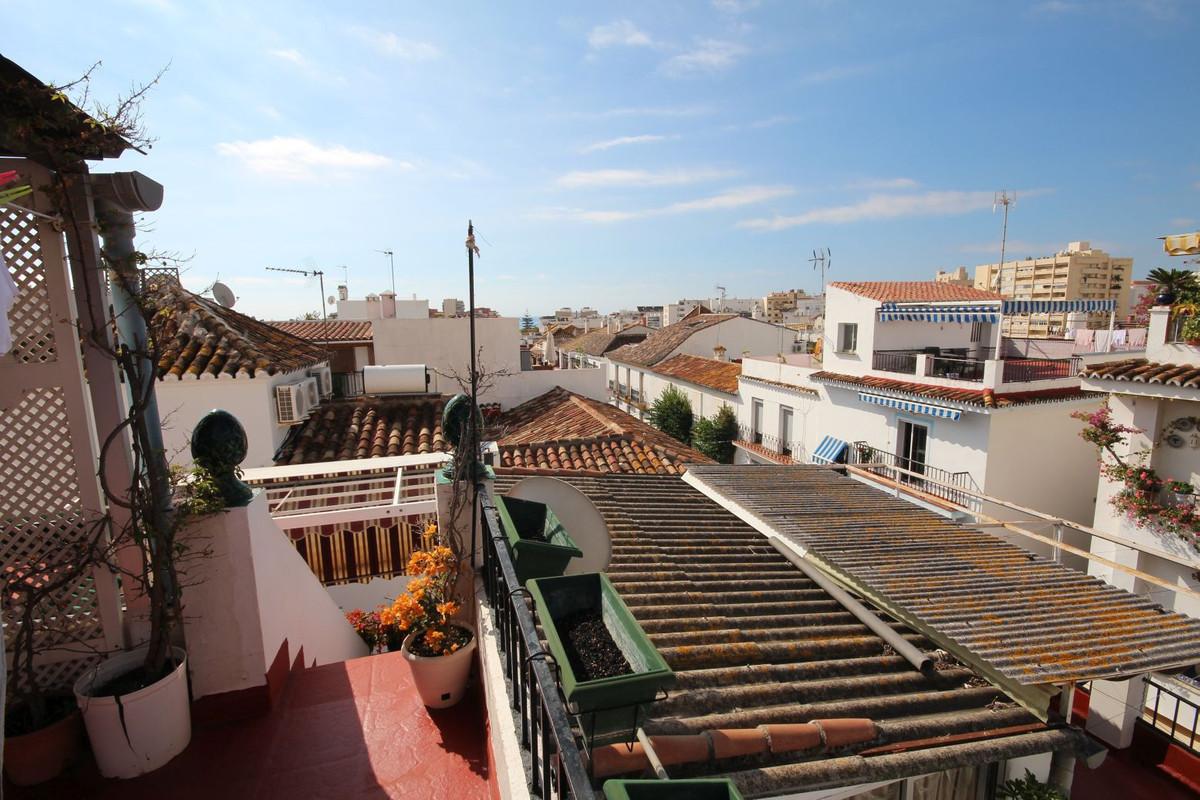 Marbella Banus Adosada en Venta en Marbella – R2231105