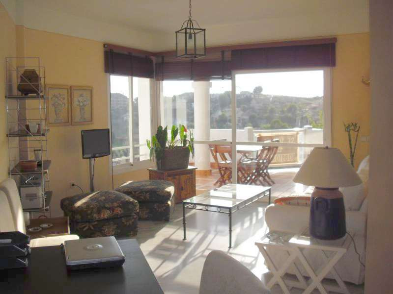 Middle Floor Apartment in Río Real