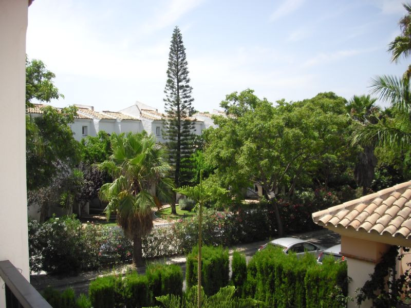 This well designed and modern apartment is offered in the area of Elviria and within only a few minu, Spain