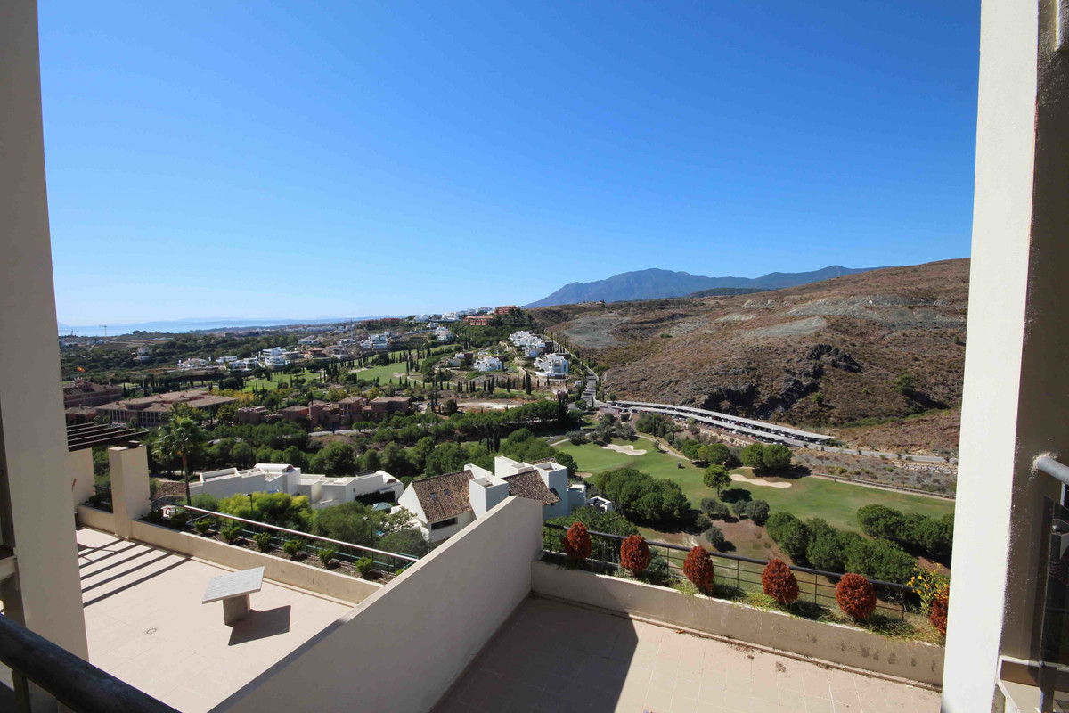 Simply amazing 2 bedroom and 2 bathroom apartment in a beautiful and prestigious area of Los Flaming, Spain