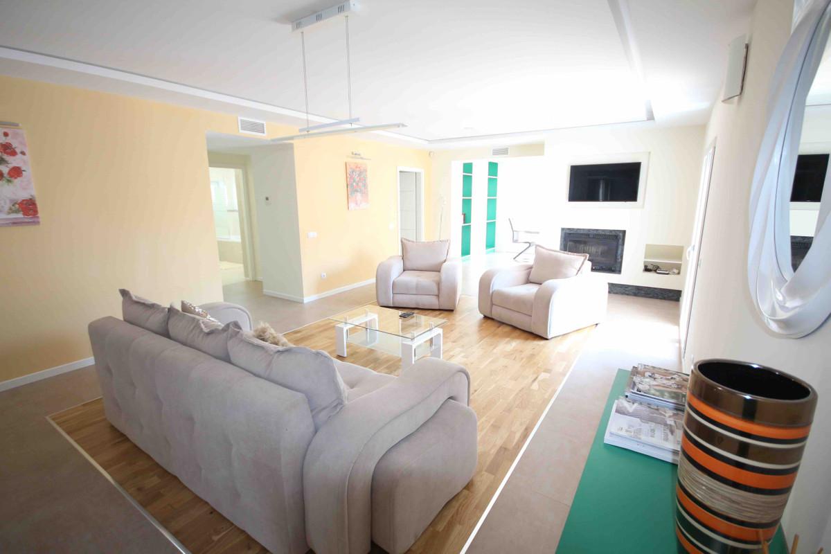 Marbella Banus Apartamento en Venta en Puerto Banús – R3203890