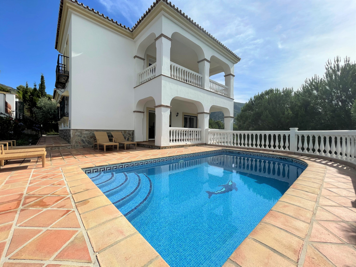 JUST BACK ON THE MARKET AND REDUCED FROM €735,000 TO €675,000! Fabulous architect designed and built, Spain