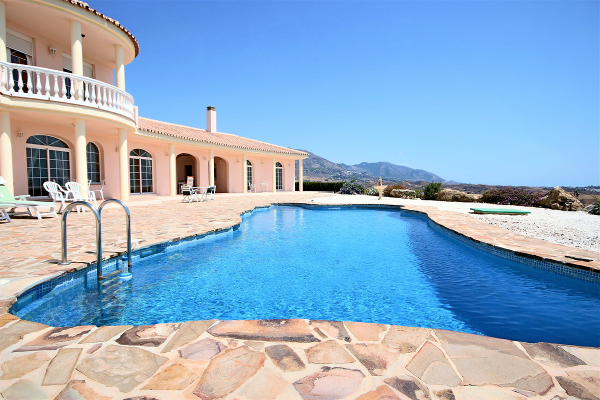 R3253399: Villa for sale in Mijas Costa