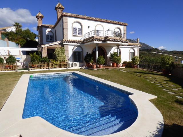 Villa – Chalet a la venta en Mijas – R2360312