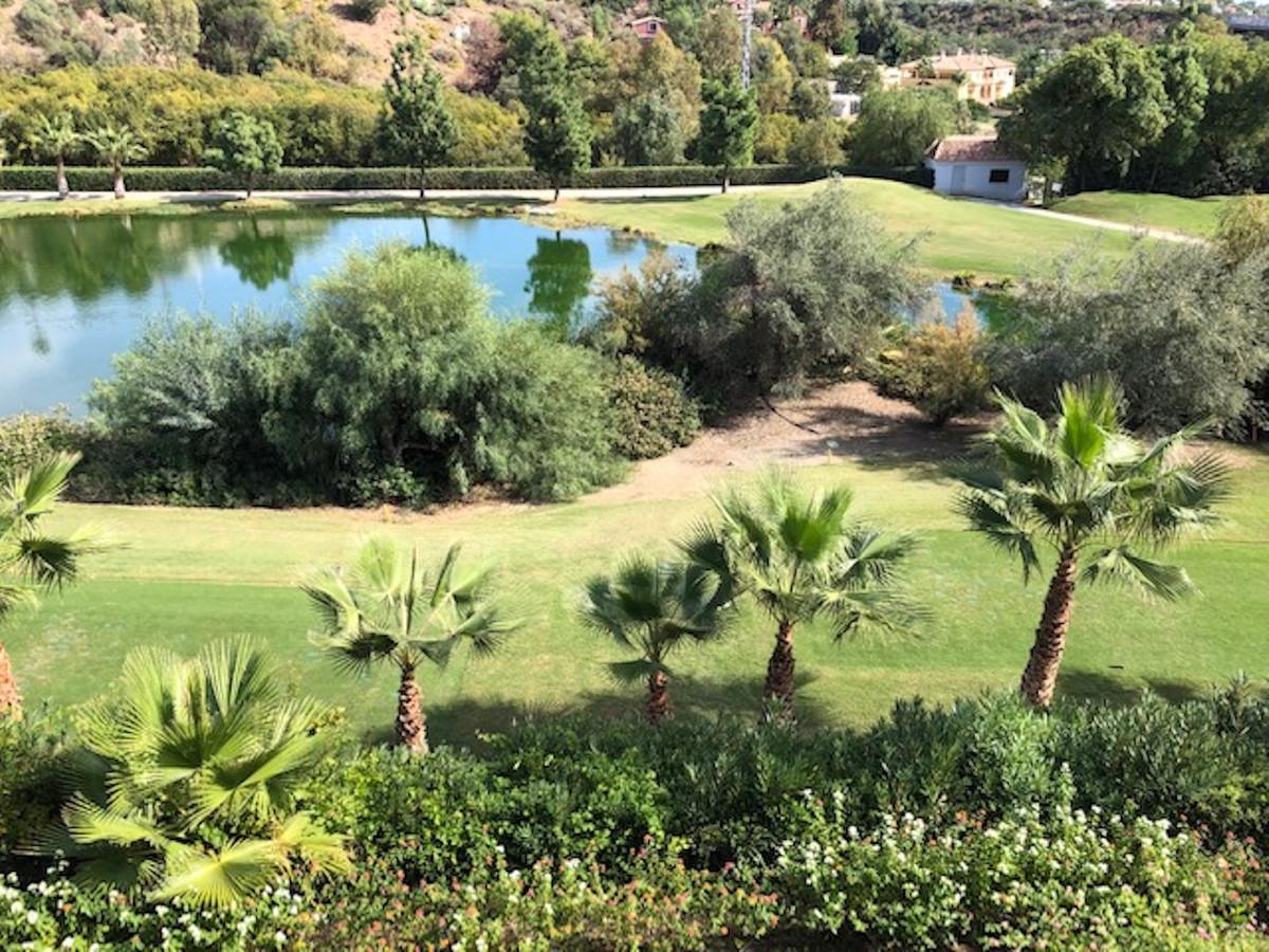 Marbella Banus Apartamento Planta Media en Venta en La Quinta – R3530011