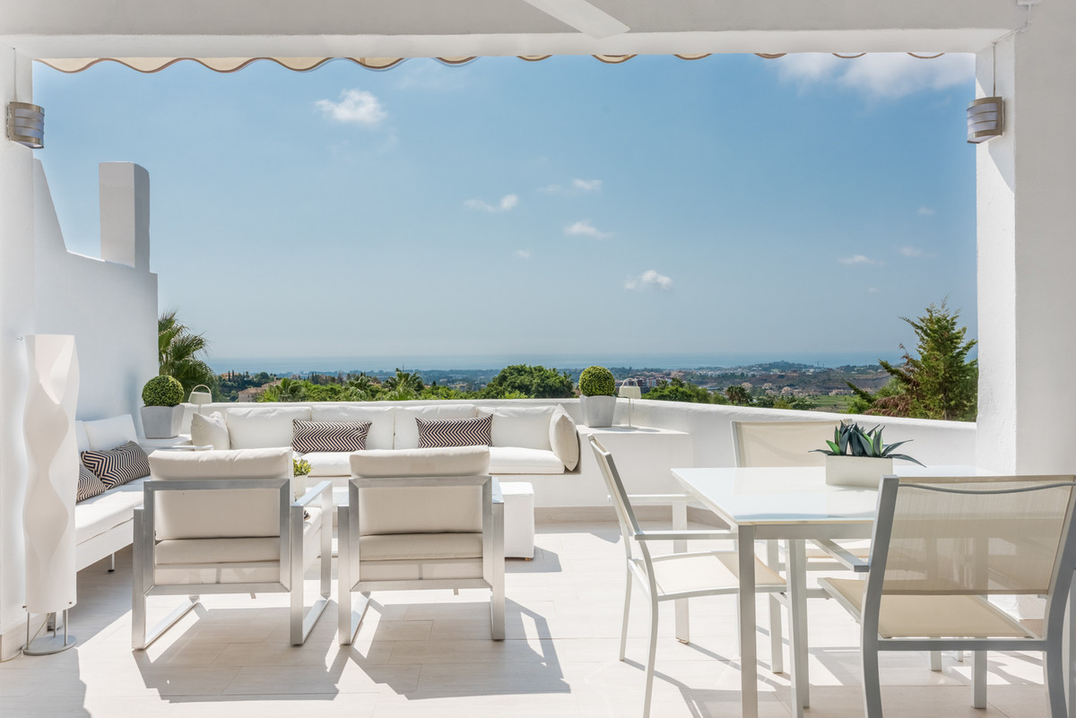Town House for sale in Benahavis - Benahavis Town House - TMRO-R3021854