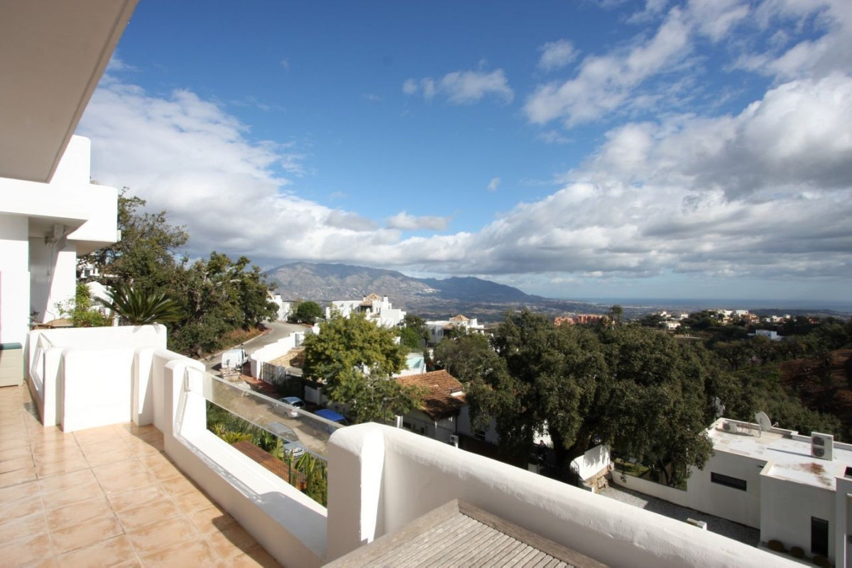 Apartment for sale in Elviria - Marbella East Apartment - TMRO-R3104315