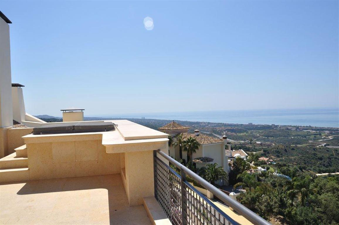Penthouse for sale in Los Monteros - Marbella East Penthouse - TMRO-R235589