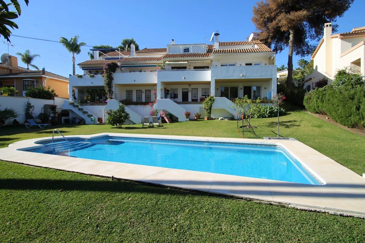 Semi Detached Villa for sale in Nueva Andalucia - Nueva Andalucia Semi Detached Villa - TMRO-R3052495