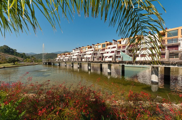 Apartment for sale in Benahavis - Benahavis Apartment - TMRO-R232889