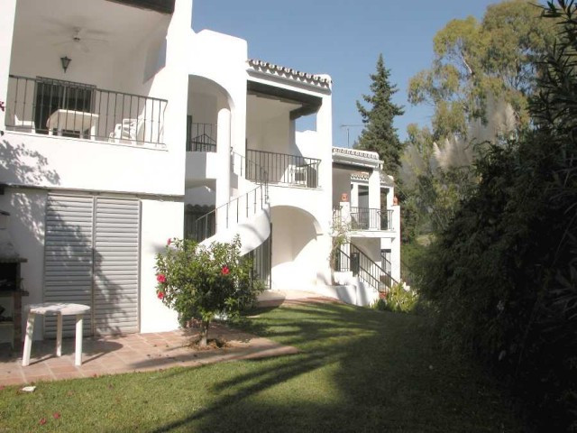 Town House for sale in Aloha - Nueva Andalucia Town House - TMRO-R113225